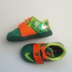 Nike KD velcro toddler size 5